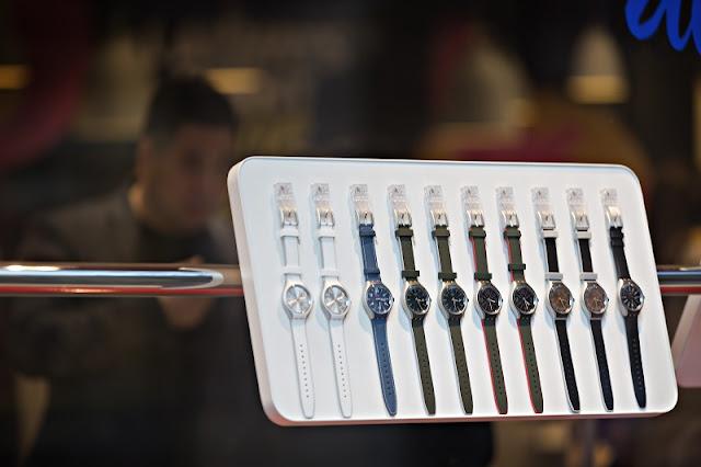 Relógios expostos para venda