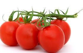 تعرف علي فوائد الطماطم والقيمه الغذائيه للطماطم