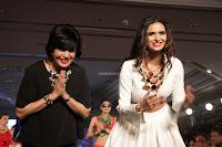 Meenakshi Dixit Walks the Ramp At Designer Nidhi Munim Summer Collection Fashion Week (11).JPG