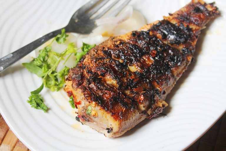 Grilled fish recipe yummy tummy for Grilled white fish recipes