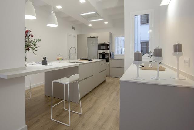 Cocinas con estilo - Isla de cocina con mesa ...
