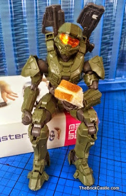 Halo MasterChief Level 3 Bandai SpruKit eating a sandwich