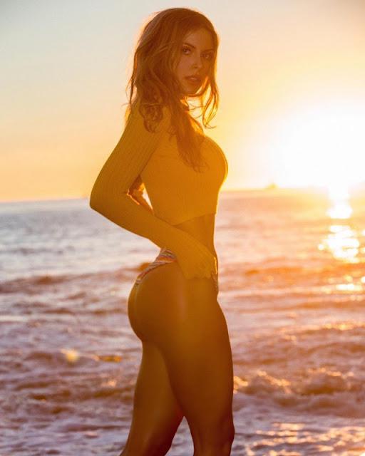Ashley Schultz naked