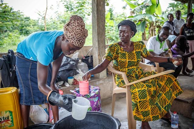 ghana workshop soap making lady work ガーナ ワークショップ 石鹸 女性