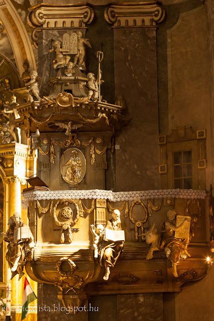 A csongrádi Nagyboldogasszony-templom szószéke