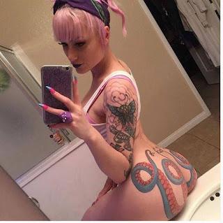 Tatuaje de pulpo en el culo