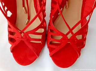 Fashion: Justfab Zetta - rote Cutout Heels - www.annitschkasblog.de