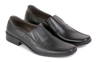 sepatu kerja pria hitam, sepatu pantofel kulit asli,gambar sepatu pria kantoran, sepatu kerja pns branded