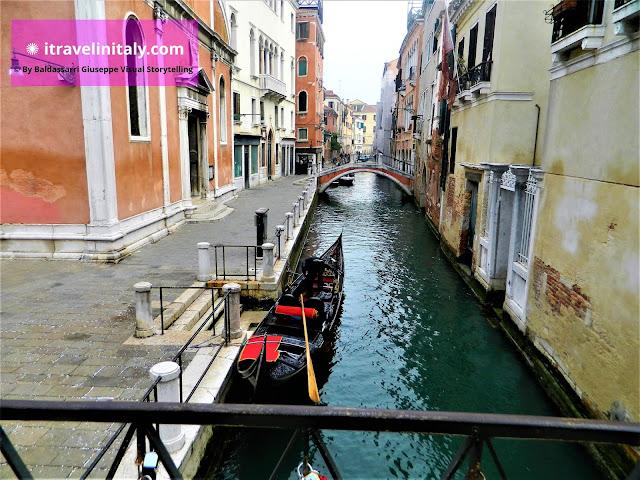 "Ponte dei Barcaroli Venezia Copyright ""All rights reserved"" © By itravelinitaly.com travelers from Italy Baldassarri Giuseppe Visual Storytelling"
