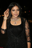Sakshi Agarwal looks stunning in all black gown at 64th Jio Filmfare Awards South ~  Exclusive 157.JPG