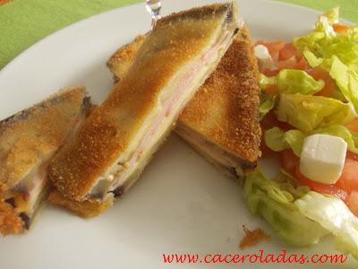 Berenjena rebozada rellena de jamón y queso