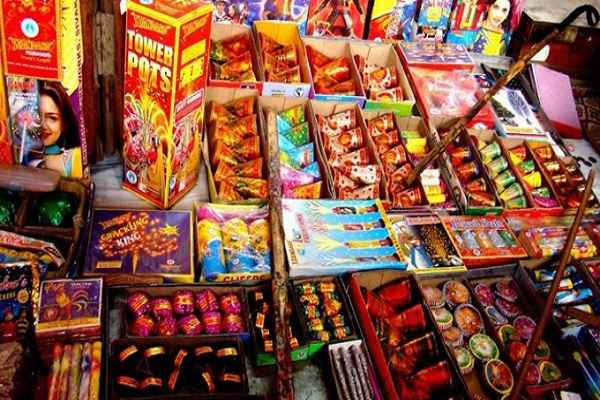 this-diwali-patakha-traders-will-sale-patakha-on-border-of-delhi-ncr