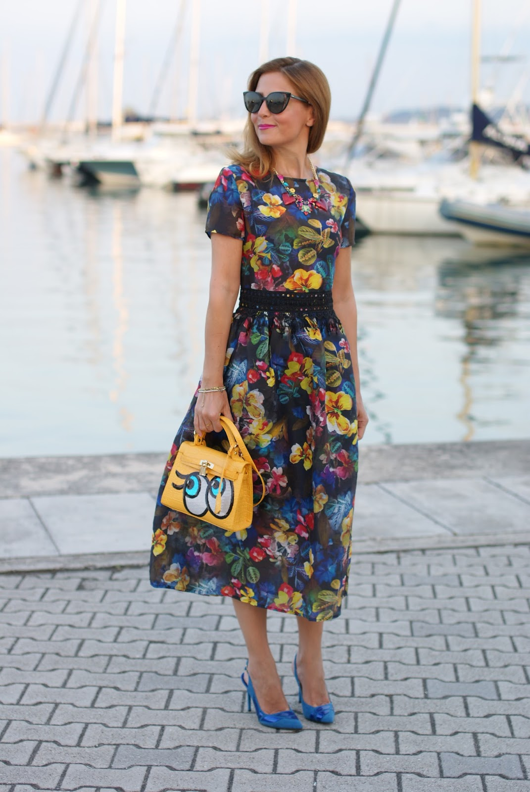 Floral cocktail dress on Fashion and Cookies fashion blog, fashion blogger style