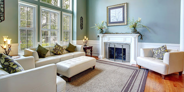 This area rug softens the room and defines the sitting area.