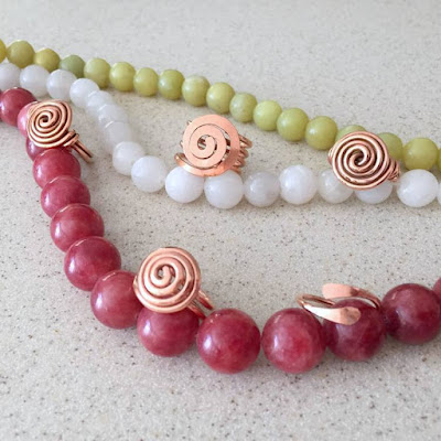 Spiral copper rings - free tutorial by Lisa Yang