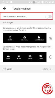 Setelah itu non aktifkan pemberitahuan dan berita di aplikasi SHAREit dengan cara menggeser tombol Aktifkan Bilah Notifikasi ke kiri