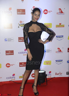 Poonam Pandey in Black TIght Fit Dress Spicy Pics 003.jpg