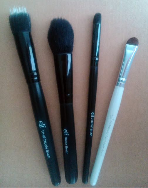 e.l.f.  Small Stipple Brush - Blush Brush - Contour Brush - Essential Eye Shadow Brush