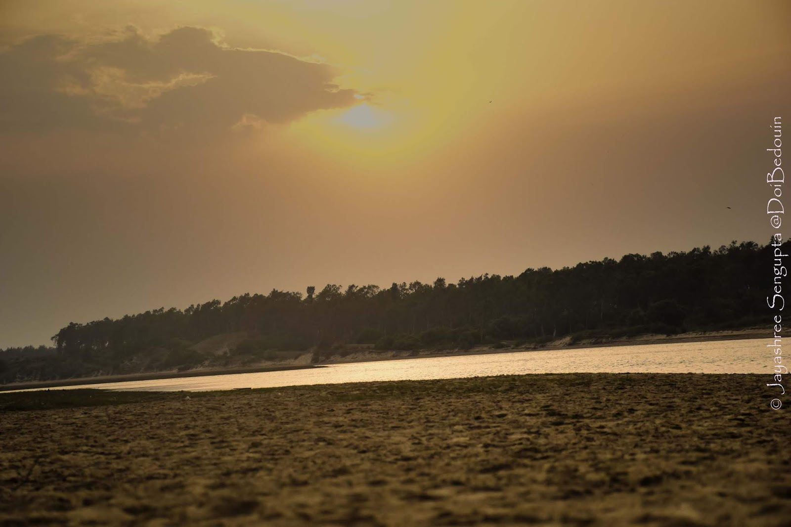 With the setting sun the beach turned into a dream-scape. @DoiBedouin