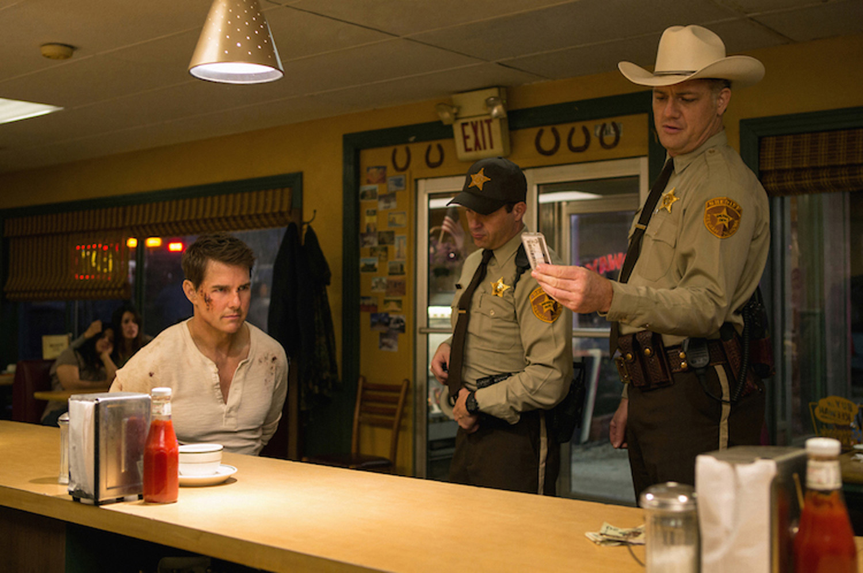 Tom cruise a falon maszik 338 - Jack Reacher Never Go Back Trailer Tom Cruise