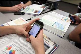 cara menyikapi informasi di era digital