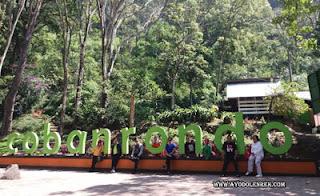 Susi dkk di Coban Rondo, Pujon, Malang