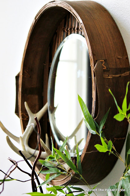 round  mirror, upcycled, repurposed basket, bamboo steamer basket, DIY, antlers, http://bec4-beyondthepicketfence.blogspot.com/2015/10/round-basket-mirror.html