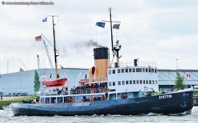 Dampfeisbrecher Stettin Hamburg bei Fahrt