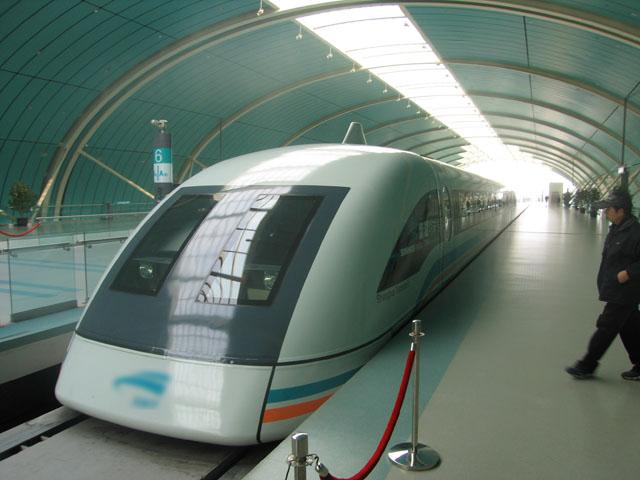 Gambar Kereta Maglev di Stasiun