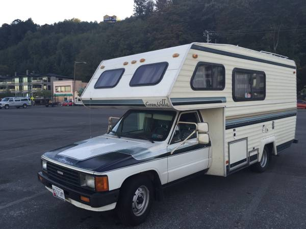 Used RVs 1986 Toyota RV Camper For Sale by Owner