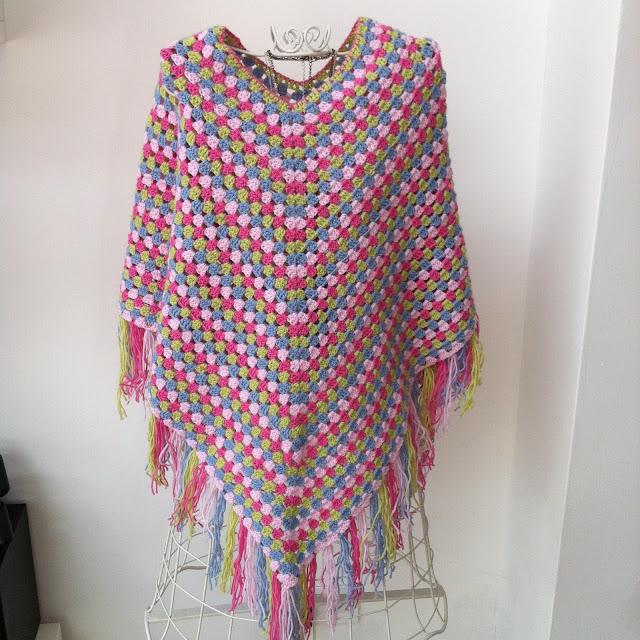 modele poncho crochet adulte
