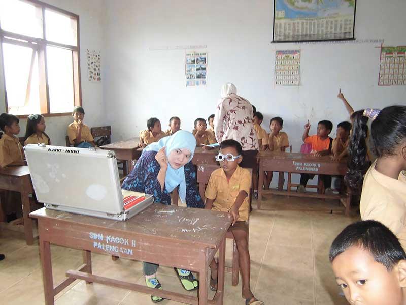 Pemeriksaan Kesehatan Mata Siswa Sekolah