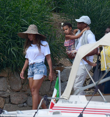 Beyonce, Jay Z and Blue Ivy head back home after their long vacation in Italy