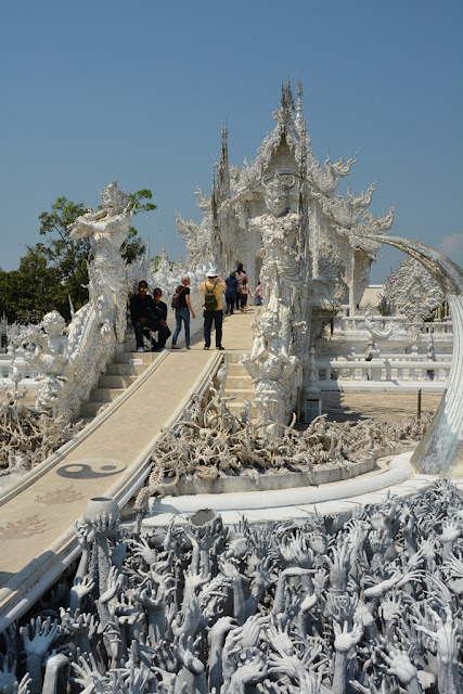 White Temple Chiang Rai bridge