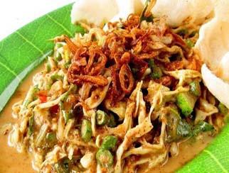makanan-khas-bandung-karedok-notes-asher