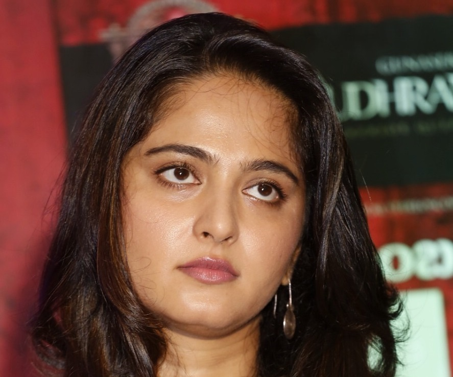 Tollywood Actress Anushka Shetty Spicy Smiling Chubby Cheeks Face Close Up Stills