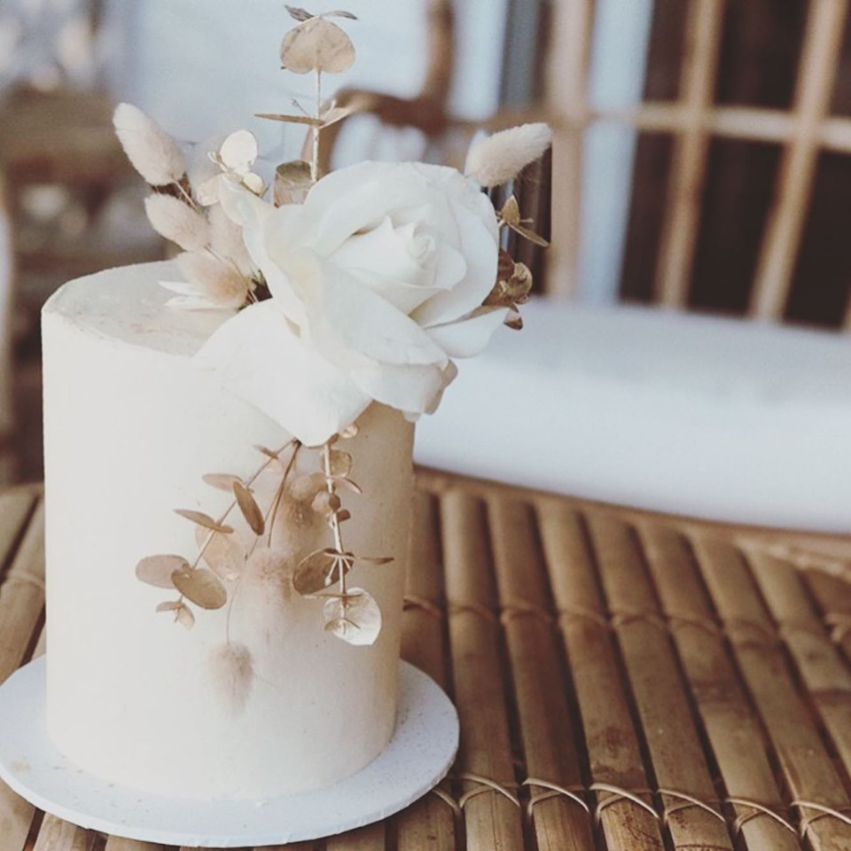 Q+A: HELLO LITTLE CRUMB | WEDDING CAKE SPECIALIST GOLD COAST QLD