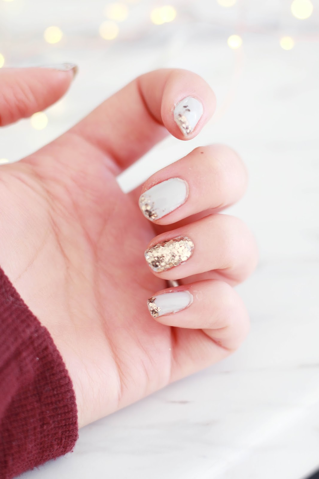 Beauty, Nails, Blogmas, Christmas, Tutorials, Drugstore, easy nail tutorials, christmas nail looks, glitter nails, easy christmas nails, easy nail tutoiral