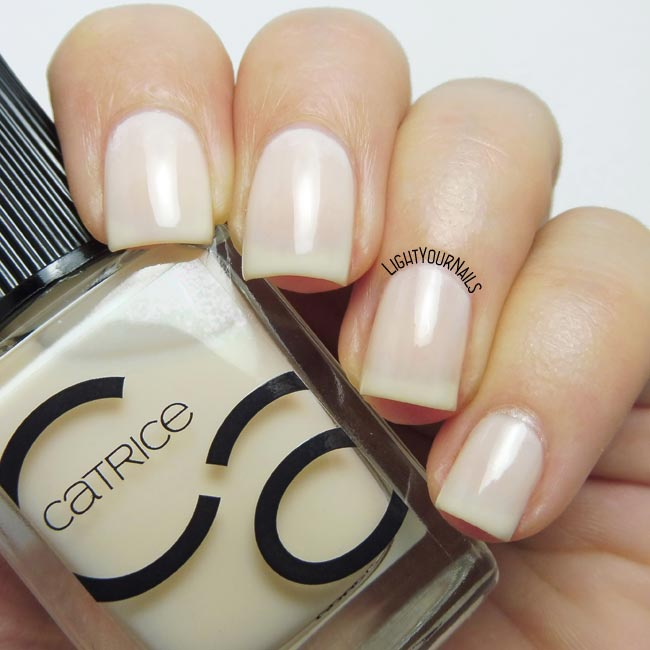 Smalto Catrice ICONails 22 100% Cotton nail polish