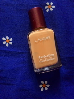 Lakme Perfecting Liquid Foundation (Natural Shell) - Review