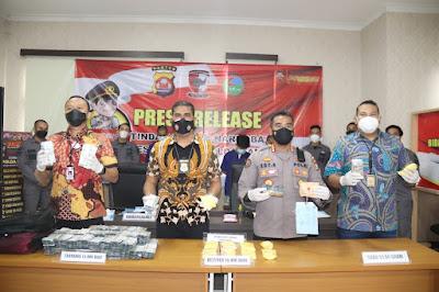 Polda Banten Sita 24 ribu Obat Daftar G saat Patroli PPKM di Stasiun Kereta Api Rangkasbitung