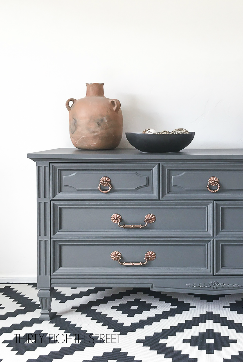 painted dresser, painted dresser ideas, painted dresser diy, how to paint dressers, chalk painted dressers, chalk painted furniture, painting furniture