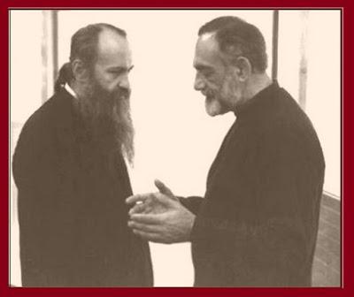 φώτο: από αριστερά Μητρ. Ιερόθεος Βλάχος και ο π. Ιωάννης Ρωμανίδης †