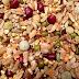 7 Makanan Kenari Yang Bikin Kenari Makin Gacor