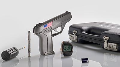 https://2.bp.blogspot.com/-vyBQMmjlYm4/VxgNZvFc3VI/AAAAAAAAOiQ/Wq6RHKW4XS0mBJDM6GUE4Dz6VTmzH3EKACLcB/s1600/Armatix-Digital-Revolver.jpg
