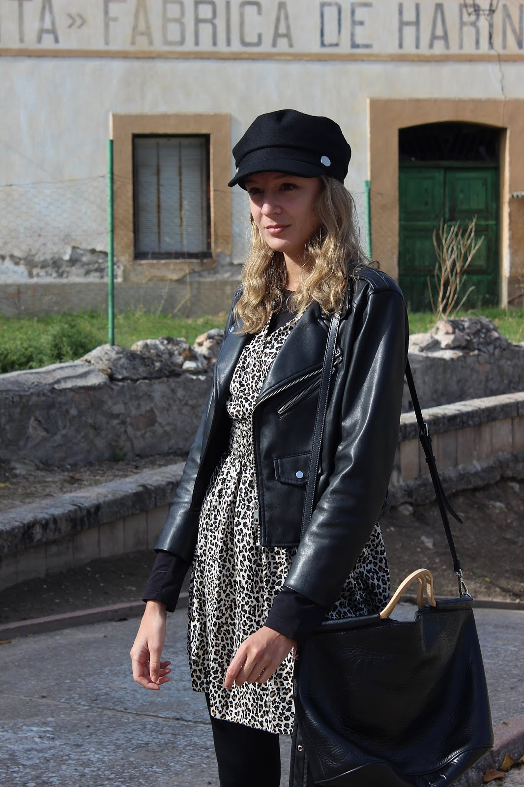 animal print dress inside street style