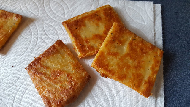 "low carb ""FatHead"" cheese crackers"