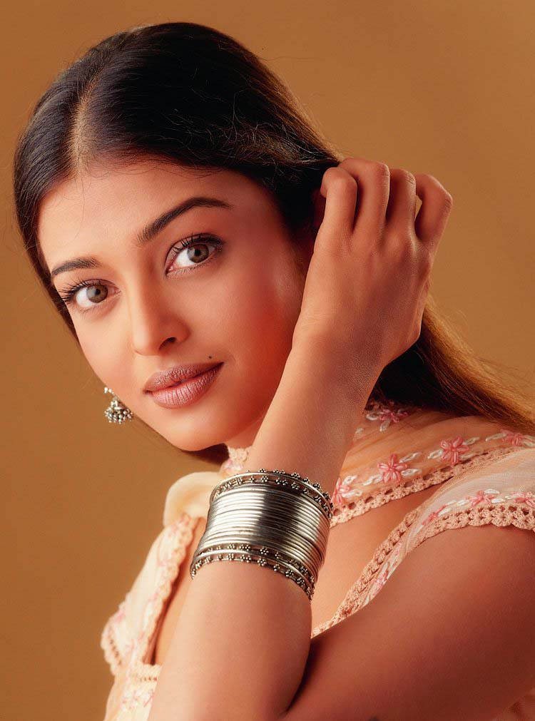 TOP WORLD PIC: Aishwarya Rai