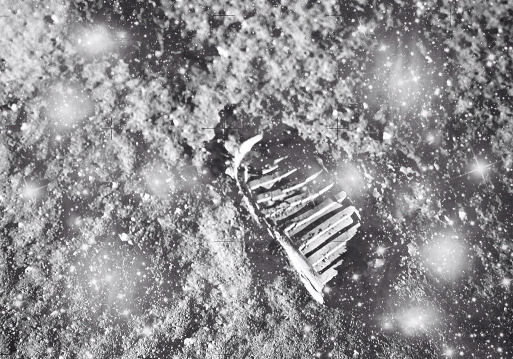 hoax moon landing footprint - photo #20