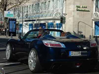 http://mobil.express.de/duesseldorf/luxus-pur-dieses-ranking-passt-mal-wieder-voll-ins-duesseldorf-klischee-26252584